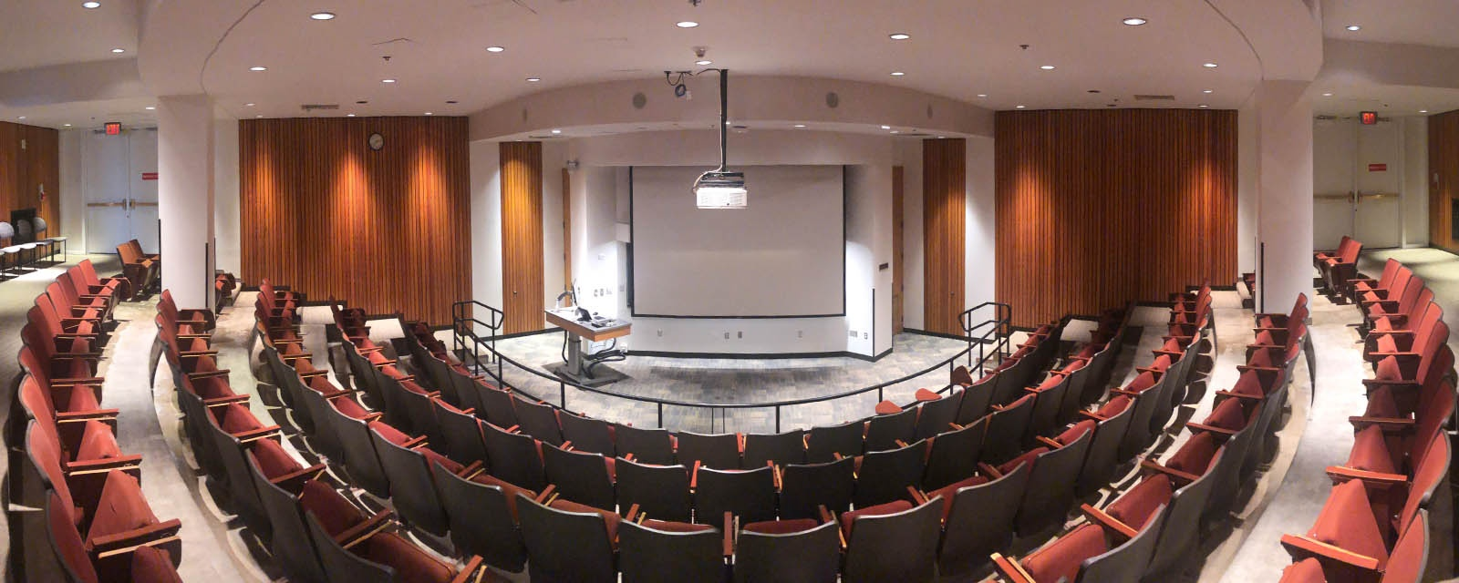 Panorama Crouse Hinds 010 from back of room to front of room, chairs stationary with flip out desk, teaching station at right front